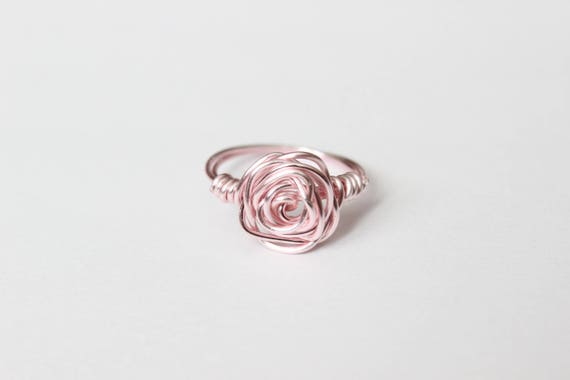 Rosa Draht umwickelt Rose Ring Ring aus Draht hellrosa