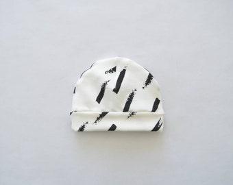 Baby Bonnet diagonal stripes black and white-baby clothing