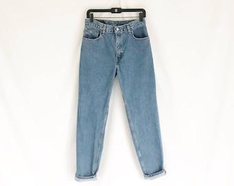 Vintage Levis  550 Tapered Leg Jeans. Size Medium