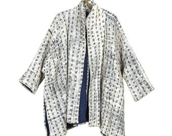 Hand Embroidered Quilted Cotton Swing Jacket - PavoSF