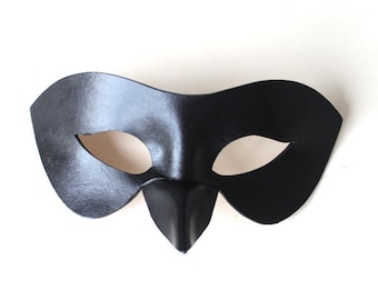 Women's Night Raven Bird Long Nose Erotic Beak Leather Mask
