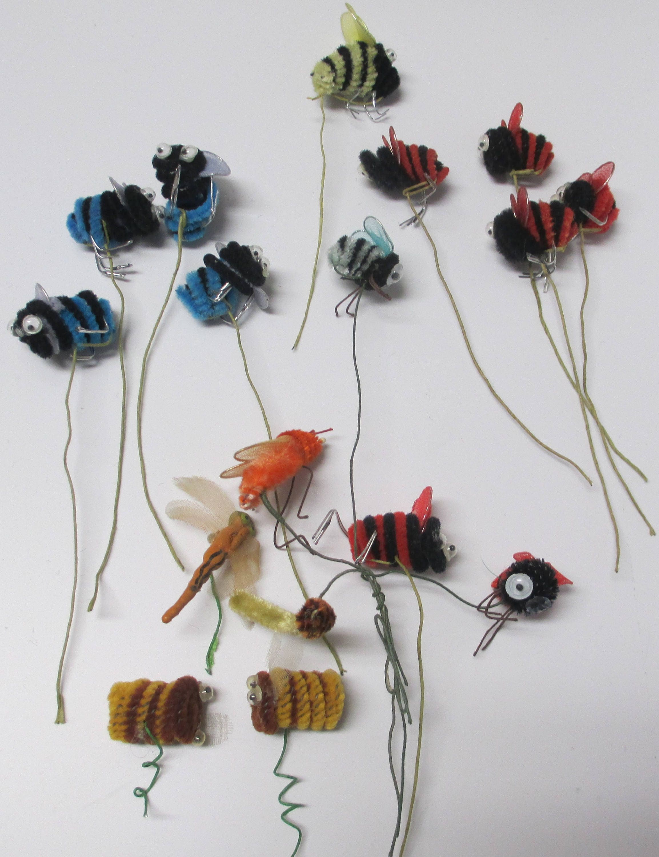 Vintage Chenille Bee Pick Lot, 14 Bumble Bees and 2 Wasps, Pipe ...