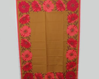 Beautiful vintage mid century modern large Tablecloth with floral pattern in red & orange. Made by Almedahls, Sweden Scandinavian