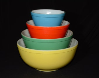 Full set (4) of PYREX Primary Color Mixing Bowls, Vintage Pyrex Mixing Bowl Set, No Numbers Bowls, Primitive, 1940s