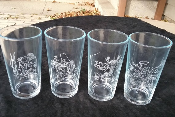 Beer glasses, Pub glasses,Fishing Beer glasses, Fisherman beer glasses, Fisherman gift, Pint beer glasses, Gifts for him,  Beer drinker gift