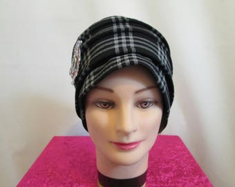 Chemo hat, off-white jersey teal striped hat with black dots