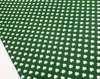 Irish Table Runner - St Patricks Day Party Table Runner, Shamrock Table Runner, St Patricks Table Decor, Four Leaf Clover Table Runner