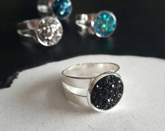 Silver and black ring. Druse.