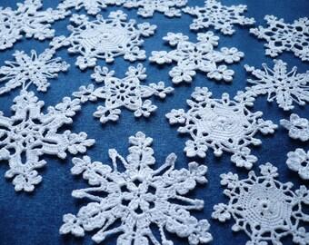 White snowflakes Crochet snowflakes Winter decoration Christmas decoration Christmas tree decoration