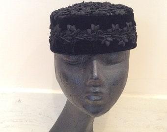 Vintage  Mr John Demi-Chapeau New York Paris Decorative Black Twisted Crochet and Black Velvet Hat, Vintage Headpiece, Vintage Mourning Hat