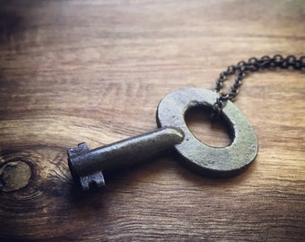Skeleton Key Necklace / Vintage Key / Key Necklace
