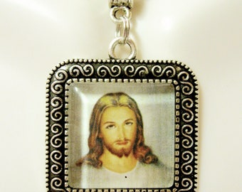 Sacred heart of Christ pendant and chain - AP02-073