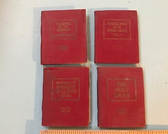 Lot of 4 vintage little leather library books. New York. #917