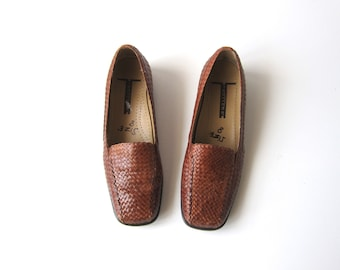 Woven Leather Shoes 90s Brown Leather Slip Ons Woven Leather Sandals Modern Braided Minimal Chic Loafers Womens Size 8