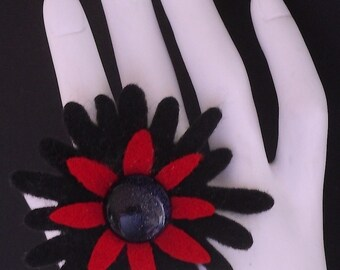 Penelope (Funky Felt Flowers Cocktail Ring)