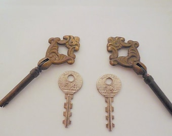 Lot of 4 Vintage Brass Cupboard Skeleton Keys