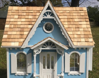 Sharon's Charming Vicotorian Cottage