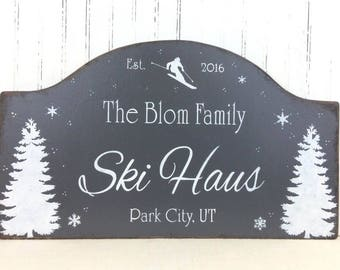 Personalized Ski House sign, Winter Cottage decor, Ski Chalet, Custom Cottage sign, Rustic Mountain sign, Christmas gift, Housewarming gift