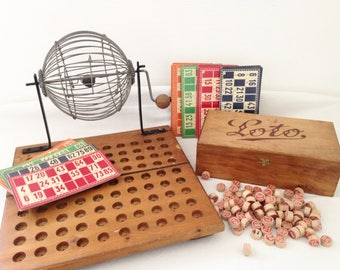Rare old game of Lotto, with its cardboard pawns, and his wheel to mix. Year 1950