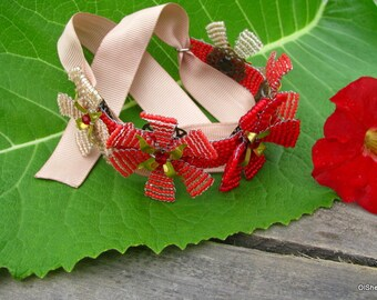 Flower Bracelet - Original bracelet from flowers on a ribbon.