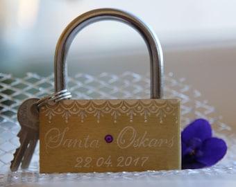 Personalised Padlock . Handengraving. Wedding. Love lock gold.
