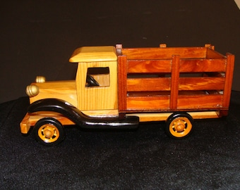 Heritage Mint Ltd Pick up truck made of nice wood