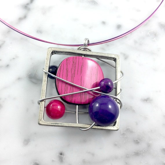 Square metal stainless necklace colors, purple, pink, beads pewter and stainless steel tiger tails, les perles rares