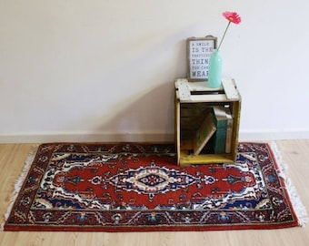 Great vintage Persian rug, hand knotted? Red Bohemian Oriental dressing/Magic Carpet/prayer mat