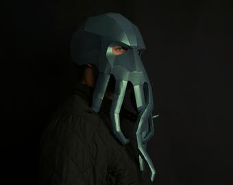 Cthulhu: Kraken - like. With his octopus-like head his face is a mass of feelers.