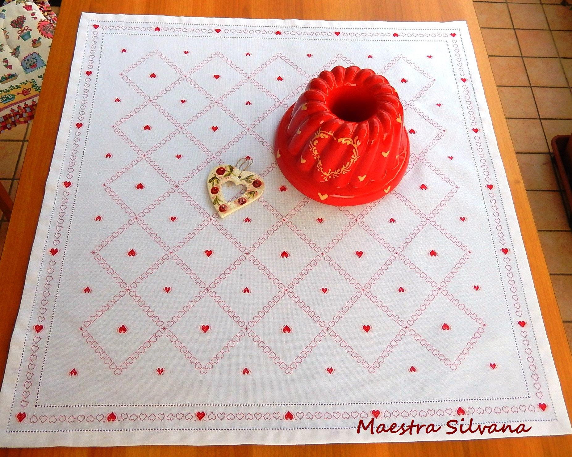 coeurs de tissu rouge rouge coeurs table set de table. Black Bedroom Furniture Sets. Home Design Ideas