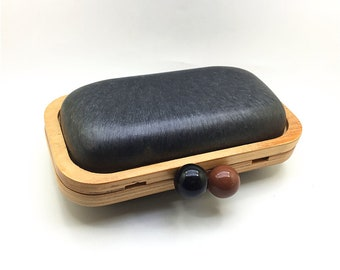20cm x 11cm x 7cm natural wood box clutch frame with plastic covers & chain XL60