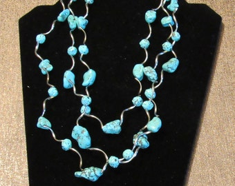 """VTG TURQUOISE NECKLACE Triple-Strand Nuggets & Curled Silvertone Links 23"""" Adjustable Unsigned"""