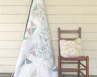 Falling Slowly Quilt, You choose Size and color palette
