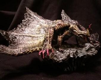 Monster hunter Gore Magala statue