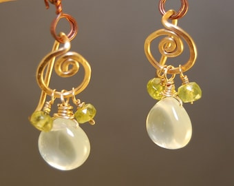 Peridot and Prehnite hammered curly-post earrings Victorian 265