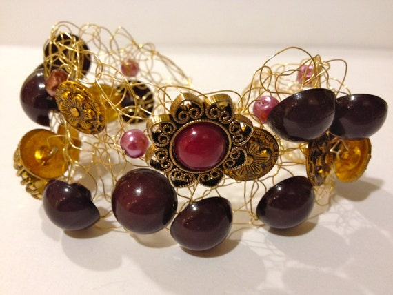 SJC10096 - Handmade gold-plated wire crochet purple cuff bracelet with vintage buttons (some pearls) of various size and shape