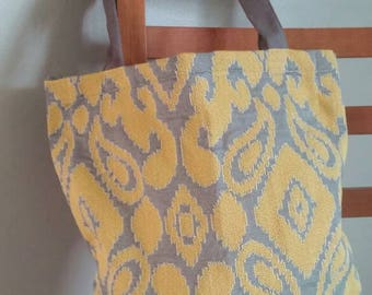 Grey and yellow tote