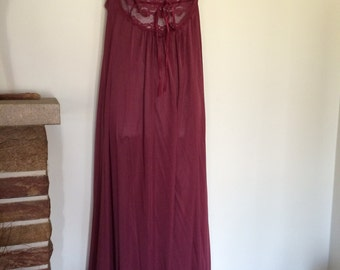 Vintage 60s Burgundy Nylon Lace Ladies Lingerie Nightgown Full Length Huge Sweep Slip Dress Size Small