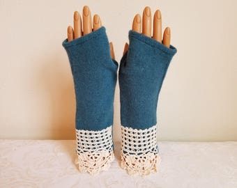 Lacy Cuff Fingerless Gloves in Teal Merino Wool and Cotton Lace