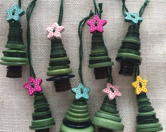 Button Christmas tree decoration (choice of colour)
