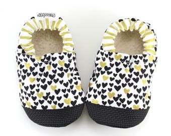 heart baby shoes gold moccs gold hearts vegan shoes soft sole vegan moccs toddler slippers baby girls shoes holidays moccs heart slippers