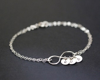 Personalized Infinity Bracelet, Infinity Charm Bracelet, Sterling Silver Infinity Bracelet, Mothers Friendship Bracelet, Bridesmaids gift