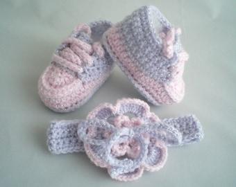Baby Shoes and Headband Set / Crochet Headband with Flower /  Crochet Baby Slippers / Crochet Baby Trainers / Crochet Baby Booties