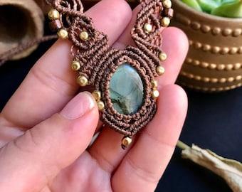 Röötz -Macrame necklace, macrame jewelry, macrame, Labradorite necklace, macrame art, bohemian jewelry, micro macrame, boho pendant