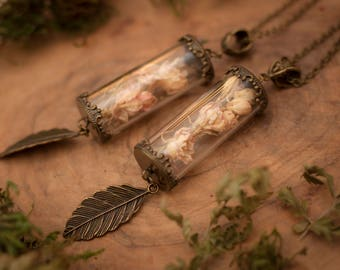Terrarium Necklace, Glass Terrarium, Dried Flower Necklace, Eco Jewellery Gift, Botanical Necklace, Miniature Terrarium, Gift for Woman