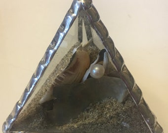 Stained glass bevel pyramid beach art with real pearl