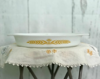 Vintage 1960 Pyrex Royal Wheat Divided Dish