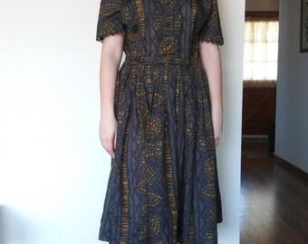 1950s patterned shirt dress with peter pan collar // large