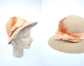 1960's Camel Felt Wool Peach Feather Bow Cloche Hat