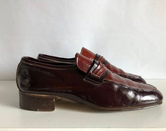 Vintage Shoes Men's 70's Brown, Patent Leather, Italian Loafers  (Size 7 1/2)